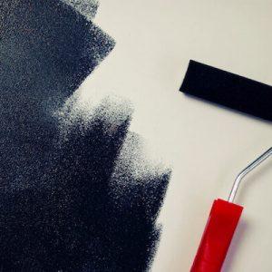 Anleitung und Tipps: So streichen Sie eine Wand
