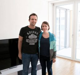 Thomas und Gabi in ihrem neuen Zuhause in Zürich