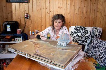Frau Amstad in Ihrer Wohnung nach ihrem Umzug